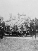 Photograph of the funeral of Sir�John�A.�Macdonald, Cataraqui Cemetery, Kingston, Ontario, 1891